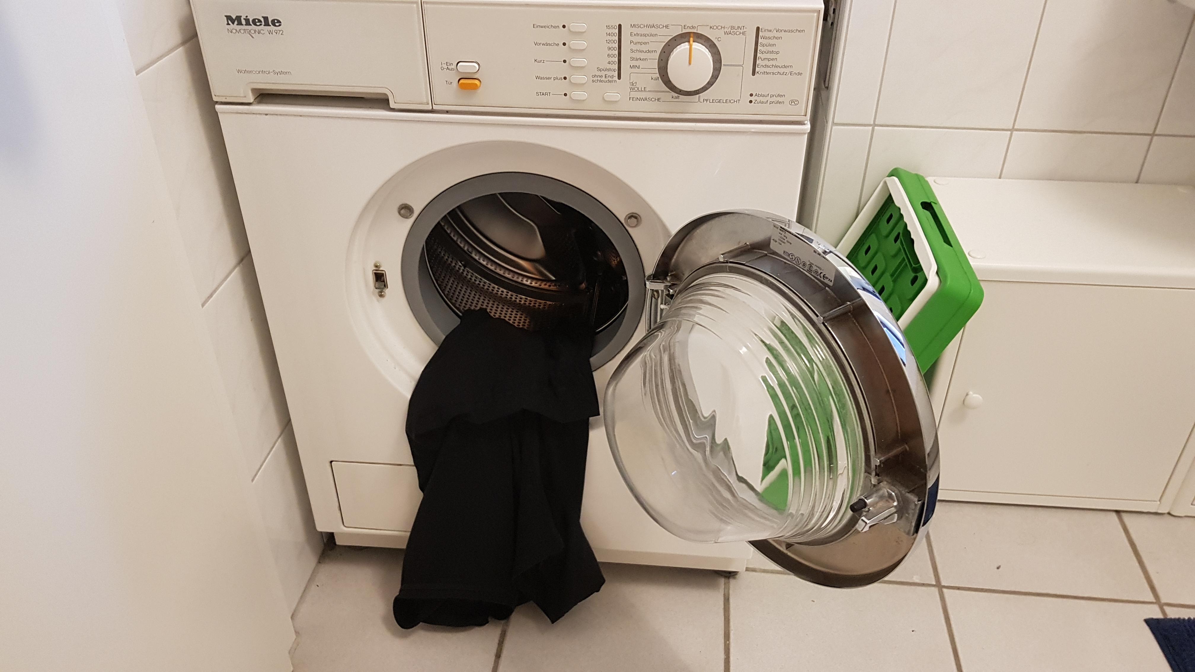 miele-waschmaschine-pullovern